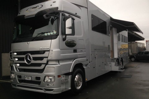 euro series mercedes mega space 4
